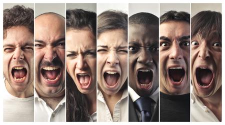 obra social: gente gritando Foto de archivo