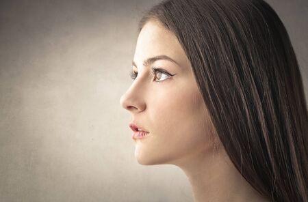 visage profil: portrait de femme Brunette Banque d'images