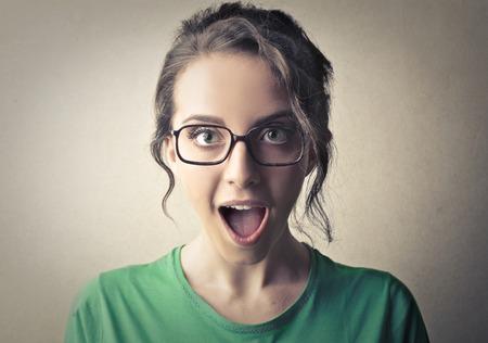 Verrast vrouw