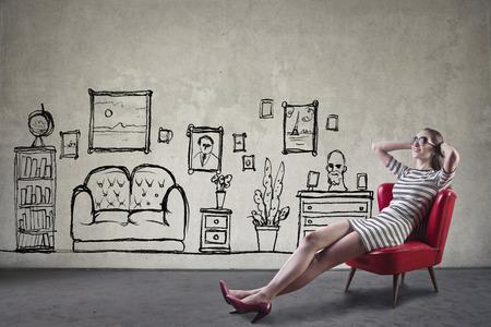 Relajarse en la nueva sala de estar Foto de archivo - 63848952