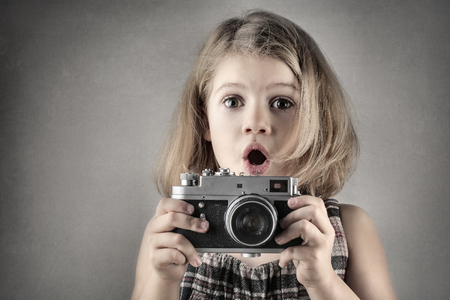 memorise: Little girl with the camera