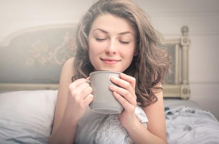 朝コーヒーを飲んでください。 写真素材