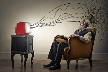Old Man let op TV