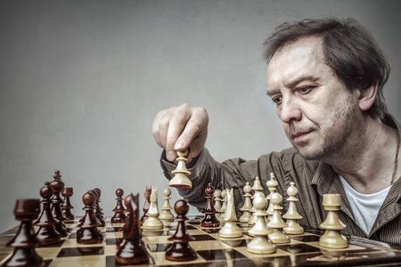 Schach allein spielen