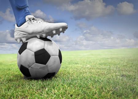 Fuß auf den Ball