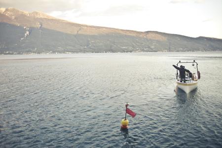 호수와 보트가있는 풍경