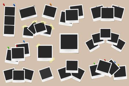Set van realistische vector fotoframes op plakband, pennen en klinknagels geïsoleerd op een beige achtergrond. Sjabloonfoto design. vector illustratie