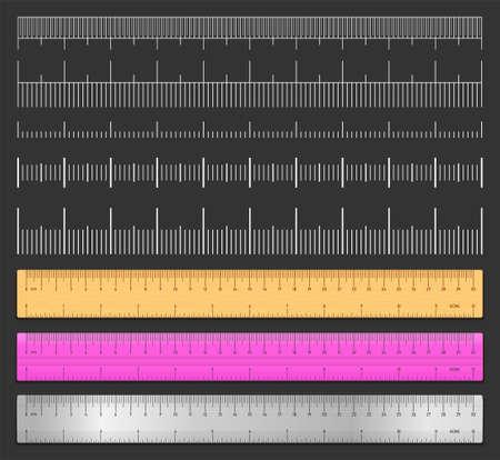 Reglas de cinta realistas y conjunto de medidas de escala aisladas sobre fondo negro. Medida doble cara de plástico, metal y madera en cm y pulgadas. Tabla de escala de medición de longitud. Ilustración vectorial