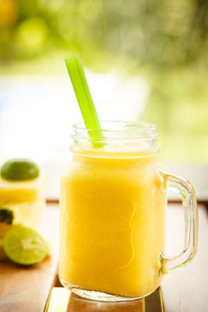 green yellow: Smoothies pineapple with lime