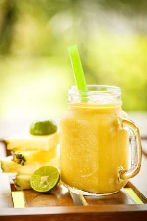 cocktails: Smoothies pineapple with lime