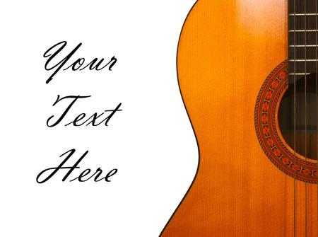 guitarra acustica: guitarra cl�sica aislada en el fondo blanco