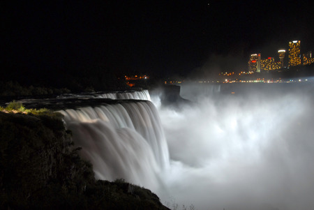 sound healing: Niagara Falls at night