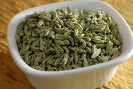調理で使用される緑のフェンネル種子の品揃え 写真素材