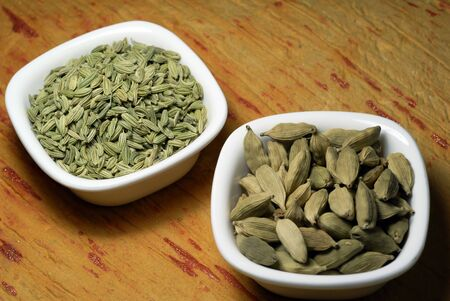 saunf: An assortment of green cardamoms and fennel seeds used in cooking