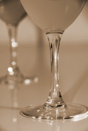 entice: Celebrate with Drinks in Wine Glasses