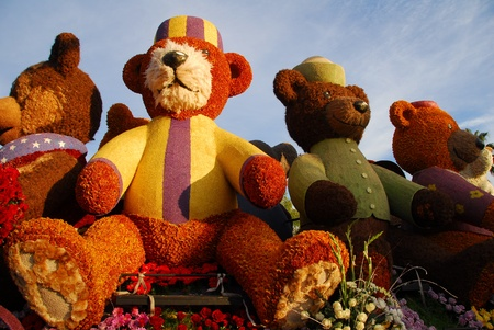 PASADENA, CA/USA - JANUARY 1: Rotary International Building Communities Bridging Continents Teddy Bear Float at the 122nd tournament of roses Rose Parade on January 1 2011 in Pasadena California Stock Photo - 8558956