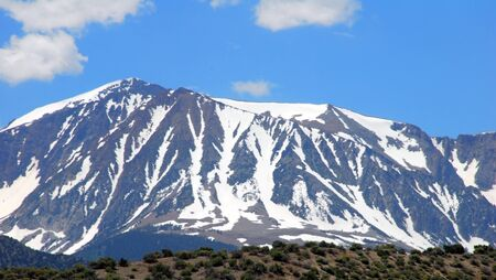 snow capped mountain landscape at mammoth lakes california