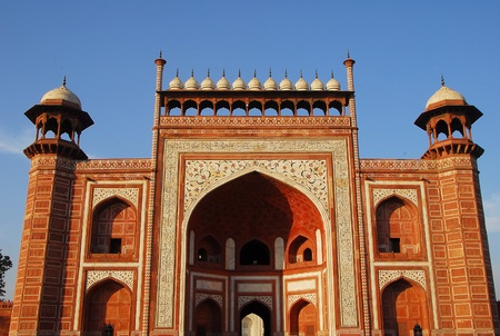 shah: South Grand Entrance Gate of Taj Mahal at Agra in India made of red sandstone by emperor Shah Jahan in memory of wife Mumtaj   Stock Photo