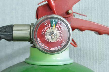 Close-up photo d'un extincteur jauge  Banque d'images