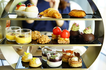 https://us.123rf.com/450wm/boysintown/boysintown1710/boysintown171000074/88020016-afternoon-tea.jpg?ver=6