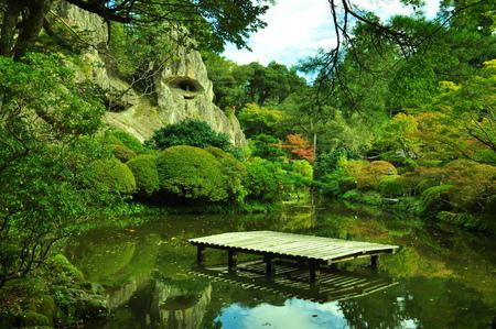 https://us.123rf.com/450wm/boysintown/boysintown1710/boysintown171000105/87983636-the-temple-of-ishikawa-prefecture.jpg?ver=6