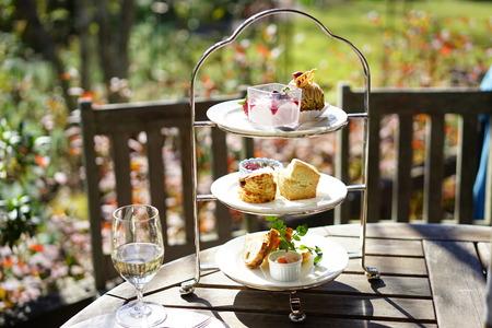 Thé de l'après-midi sur la terrasse