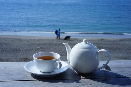 Drink hot tea in a sea of Hayama