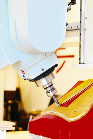 end mill: Industrial milling CNC machine tool with replaceable end mill