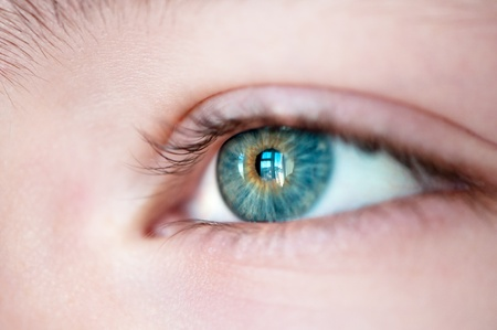 Auge mit Fenster besinnung close up. Standard-Bild - 9407247