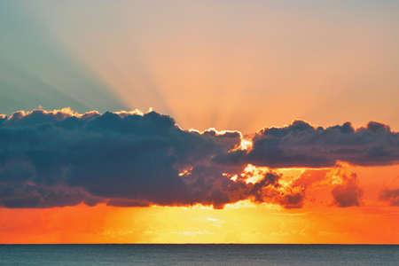 ocean sunrise Imagens