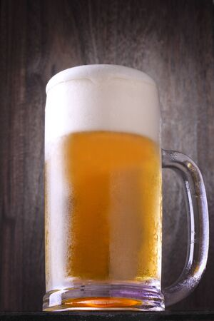 drink beer at a restaurant Foto de archivo