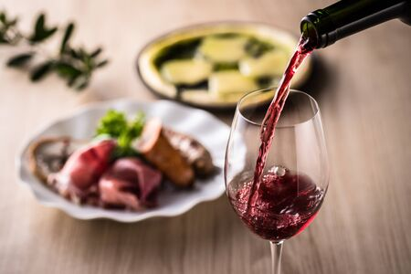 Red wine and Italian cuisine