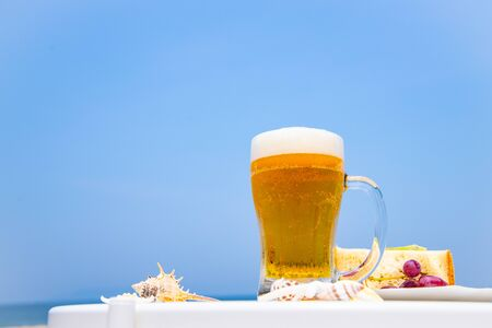 Drink beer at sea 写真素材 - 150426051