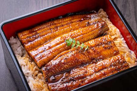 Eat Japanese food, eel rice