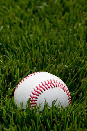 フィールドで野球