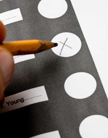 x를 표시하고 투표하십시오.