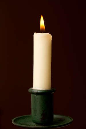 홀더에 불이 촛불 스톡 콘텐츠