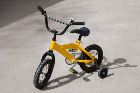 two wheel: Kids bike with training wheels