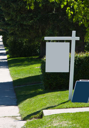 real estate: Blank real estate sign