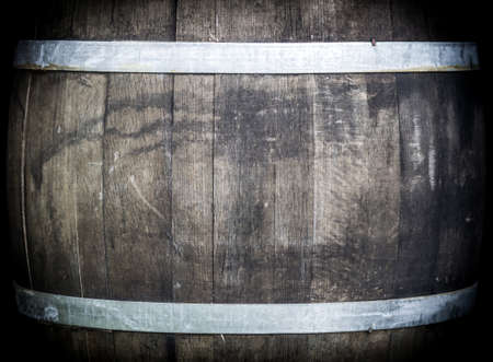oak barrel: Oak barrel