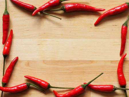 chiles picantes: Red hot peppers fondo