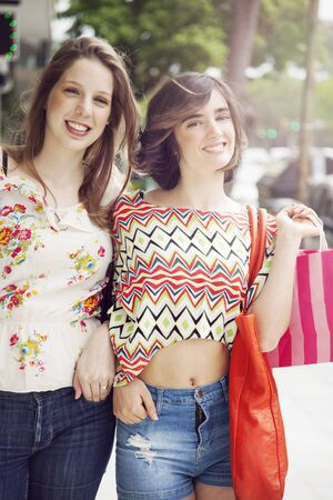 friends shopping: Friends shopping