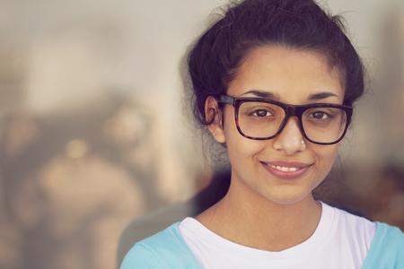 Jong Indisch vrouwenportret