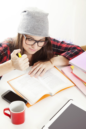 girl studying: Teen girl studying at home