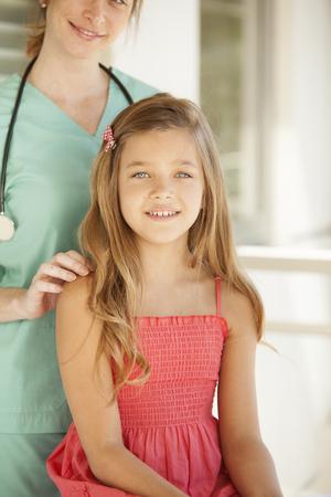 pediatra: La muchacha y el pediatra