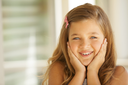 rubia ojos azules: ojos azules Niña rubia hermosa