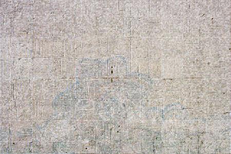 Alte Fassade Mit Weißen Mosaikfliesen Lizenzfreie Fotos Bilder Und - Alte mosaik fliesen