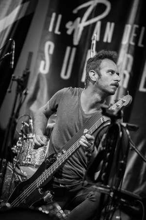 Bergame, Italie. 21 juillet 2017. Le groupe de rock italien Liede se produit au festival Rock sul Serio. Brambilla Simone Photography Live News Banque d'images - 82711152
