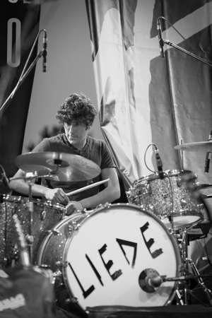 Bergamo, Itália. 21 de julho de 2017. A banda italiana de rock Liede atua no festival Rock sul Serio. Notícias ao vivo de Brambilla Simone Photography Foto de archivo - 82711159