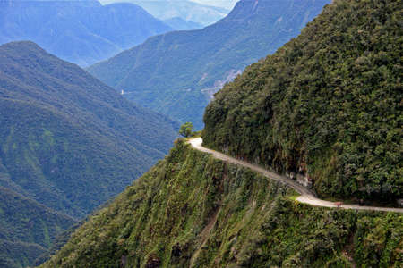deathroad  from la paz to coroico bolivia, world most dangerous road. Imagens